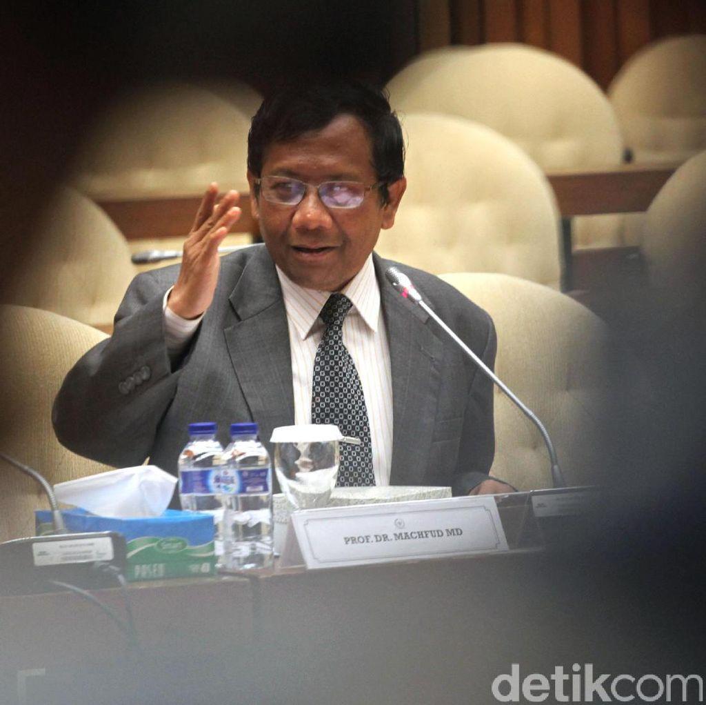 Mahfud MD: KPU Baiknya Minta Perppu Larang Eks Koruptor Nyaleg