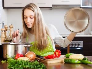 10 Kebiasaan Buruk di Dapur Ini Sebaiknya Tak Dilakukan Lagi (2)
