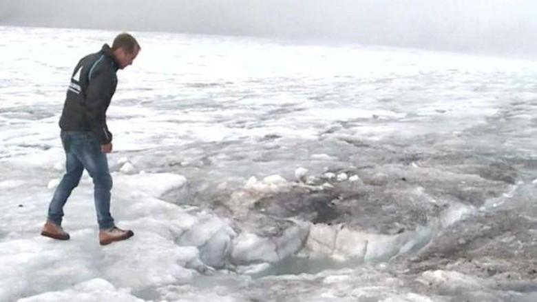 75 Tahun Hilang di Alpen, Pasangan Swiss Ditemukan Terkubur Es