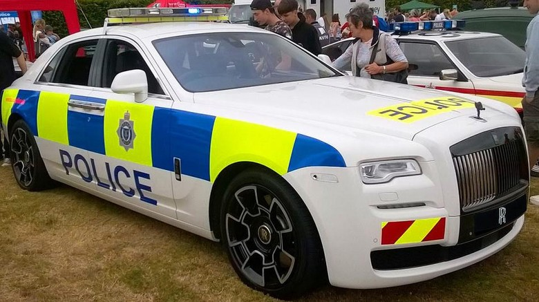 Mobil Polisi Seharga Rp 3,3 Miliar