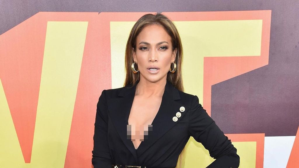 Jennifer Lopez Sumbang Rp 13,3 M Pasca Badai di Puerto Rico