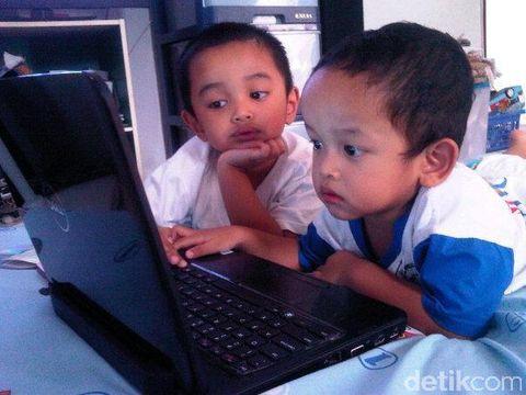 Ini yang Perlu Kita Lakukan Agar Anak Aman Saat Internetan