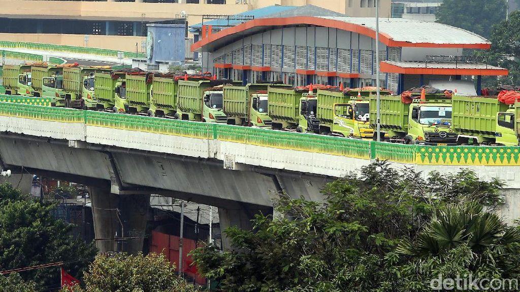 Foto: Giliran Jalur TransJ Koridor 13 Diuji Beban