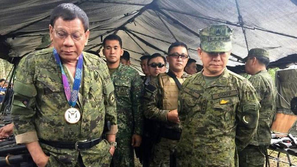 Duterte Akui Bayar Pasukan Medsos Selama Kampanye