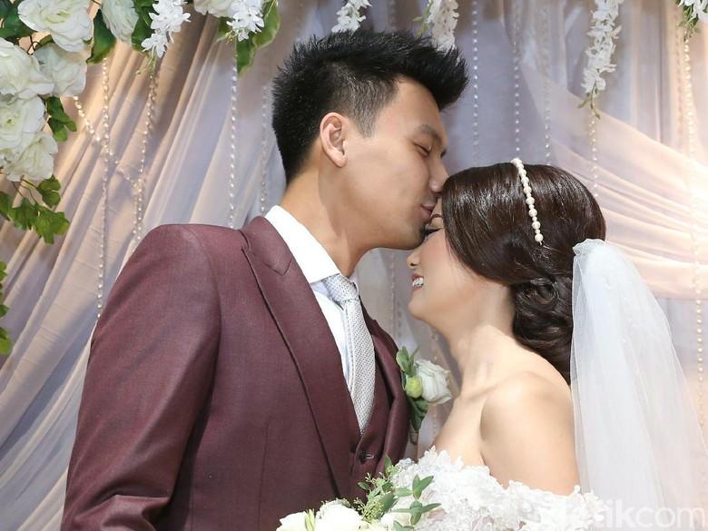 Fushion Adat Tiong Hoa dan Barat di Pesta Pernikahan Fendy Chow-Stella