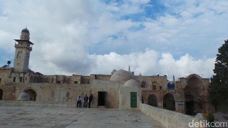Masjid Al Aqsa berada di di Yerusalem Timur, wilayah Kota Tua. Masjid ini berada di kawasan komplek Al Haram Asy Syarif (Erwin Dariyanto/detikTravel)