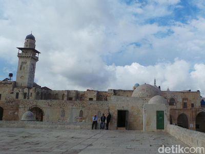 Masjid Al Aqsa yang Sakral di Yerusalem