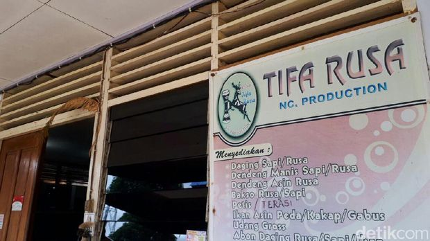 Tifa rusa sentra oleh-oleh khas Merauke