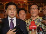 Akbar Tandjung Berharap KPK Segera Bawa Setya Novanto ke Pengadilan