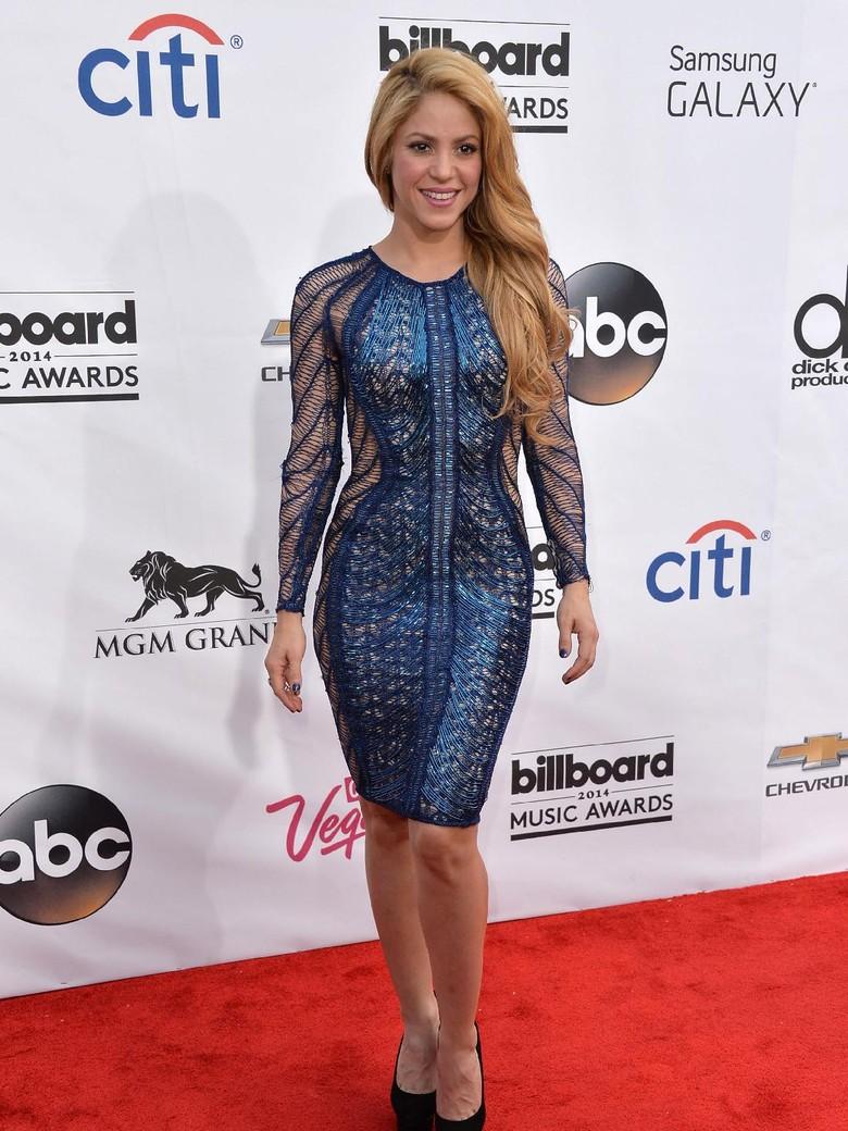 Terakhir Tur 7 Tahun Lalu, Shakira Batalkan Konser