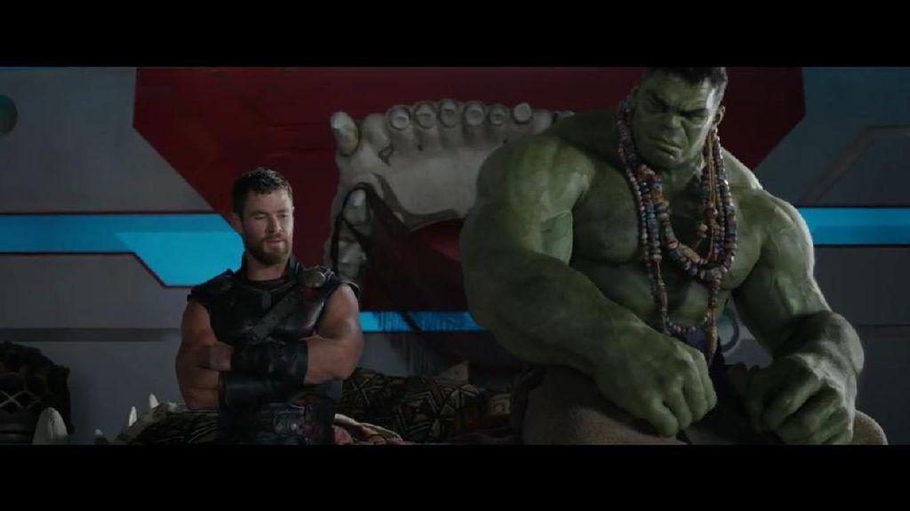 Thor: Ragnarok Rilis Footage Pertarungan Hulk vs Thor