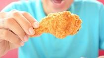 Bagaimana Ya Sensasi Berendam dengan Air Mandi Beraroma Ayam Goreng KFC?