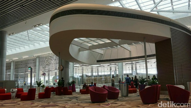 Foto: Bandara Changi Singapura yang fasilitasnya super komplet (Kanavino Ahmad Rizqo/detikTravel)