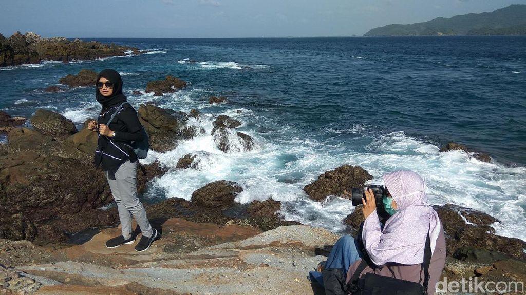 Foto: Pantai Batu Karang Perawan di Aceh Besar