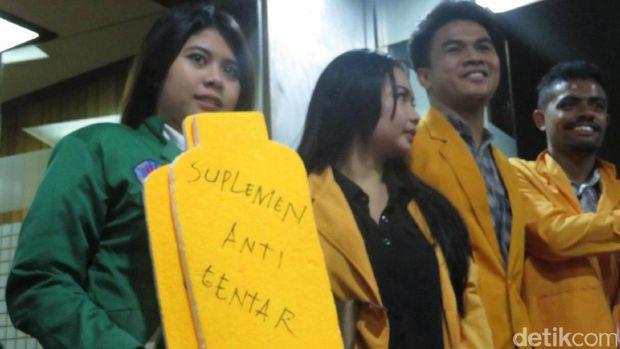 Pansus angket KPK terima 'suplemen anti getar' /