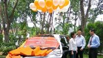 Nasabah KC Darmo Menangkan Mobil di Mega Super Vaganza Periode 3