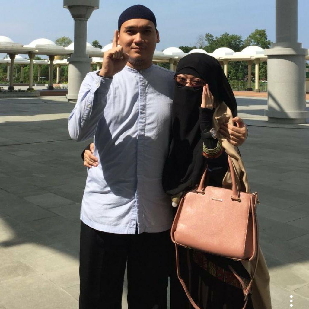 Egi John Tak Bangkrut, Ibu: Kalau Kehabisan Uang Paling Minta Transfer