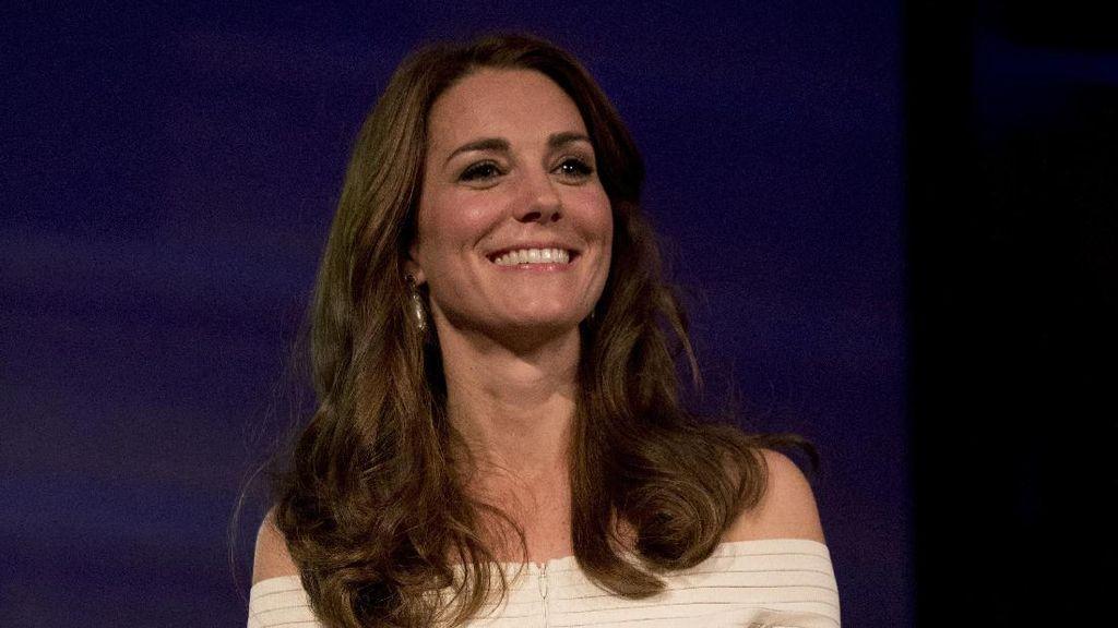 Kalung Kate Middleton yang Mirip Punya Putri Diana Ini Jadi Incaran Ibu-ibu