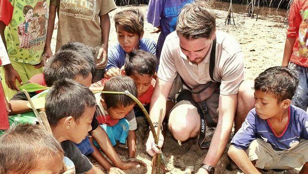 Frederik juga peduli terhadap perkembangan Indonesia (dok Istimewa)