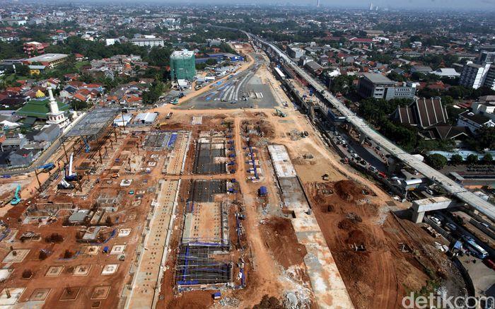 Pembangunan moda transportasi Mass Rapid Transportation (MRT) Jakarta Fase I Lebak Bulus-Bundaran HI sepanjang 16 km saat ini sudah mencapai 74,89%.