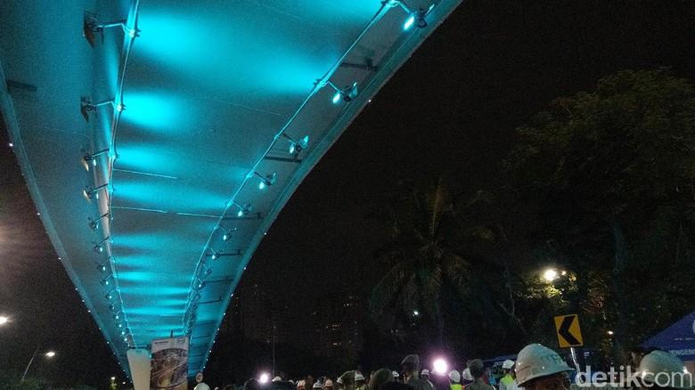 Foto: Kerlap-kerlip Simpang Susun Semanggi Jelang Open Traffic