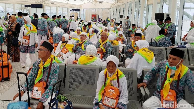 Rapat di DPR, Pemerintah Usul Biaya Haji Naik Rp 900.000