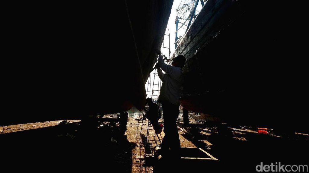 Banyak Pabrik Kapal Ilegal di Utara Jawa Hingga Merauke