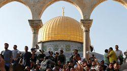 Warga Palestina Bisa Kembali Salat di Kompleks Masjid Al Aqsa