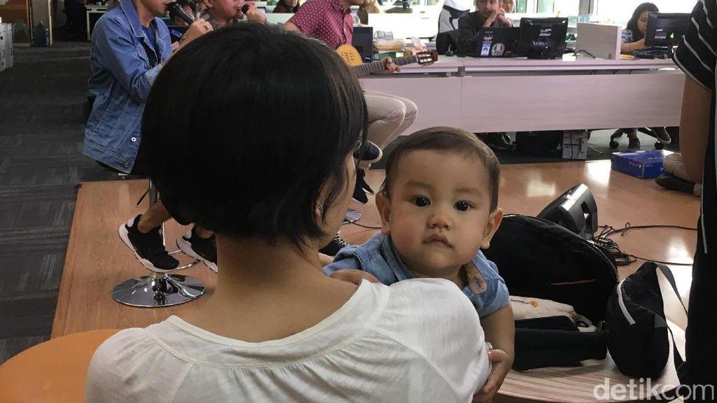 Siapa Sih Bayi yang Sering Menemani Rayi RAN Manggung Ini?