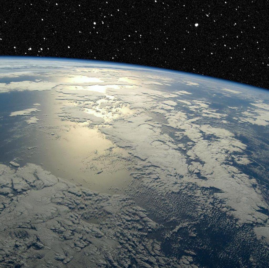 Setelah Bumi Datar, Kini Ramai Teori Bumi Berongga