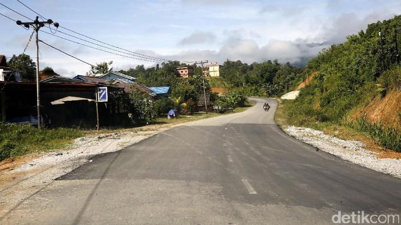 Menjajal Aspal Menuju Perbatasan Indonesia Malaysia