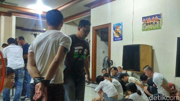 Penggerebakan WN China di Pondok Indah-Bali Terkait Penipuan Online