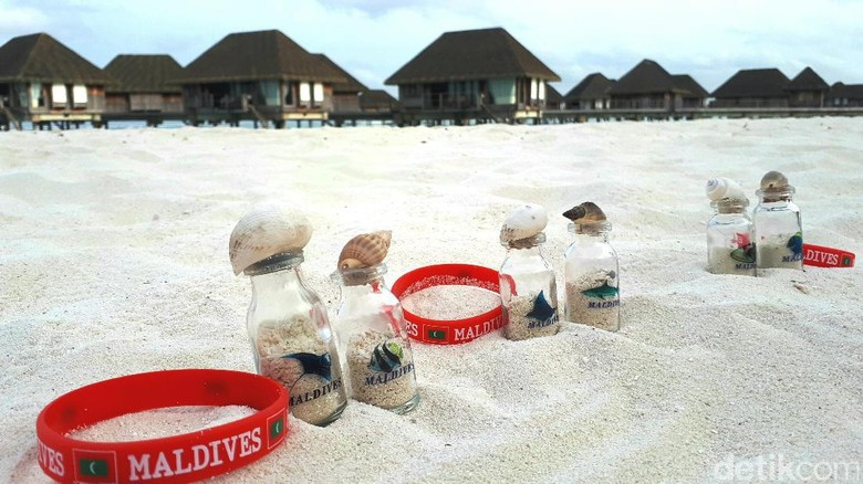 Foto: Botol pasir Maldives (Afif/detikTravel)