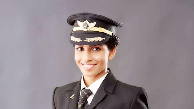 Perempuan asal India telah membuktikan wanita sama berprestasinya dengan pria di bidang penerbangan. Adalah Anny Divya, wanita yang berhasil menjadi kapten pilot perempuan termuda pesawat Boeing 777 di dunia (Instagram/pilot_annydivya)