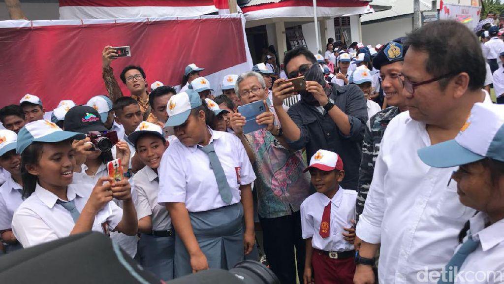 Menkominfo Kunjungi Tapal Batas Indonesia-Filipina