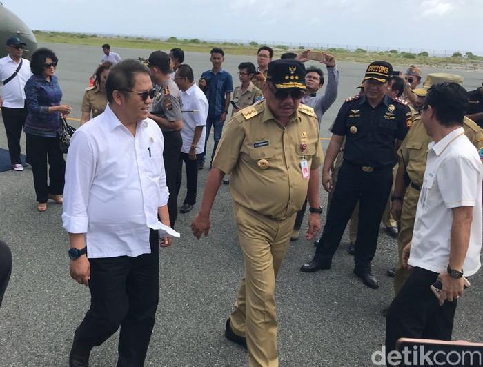 Kunjungan Menkominfo Rudiantara ke Miangas (Foto: detikINET/Adi Fida Rahman)