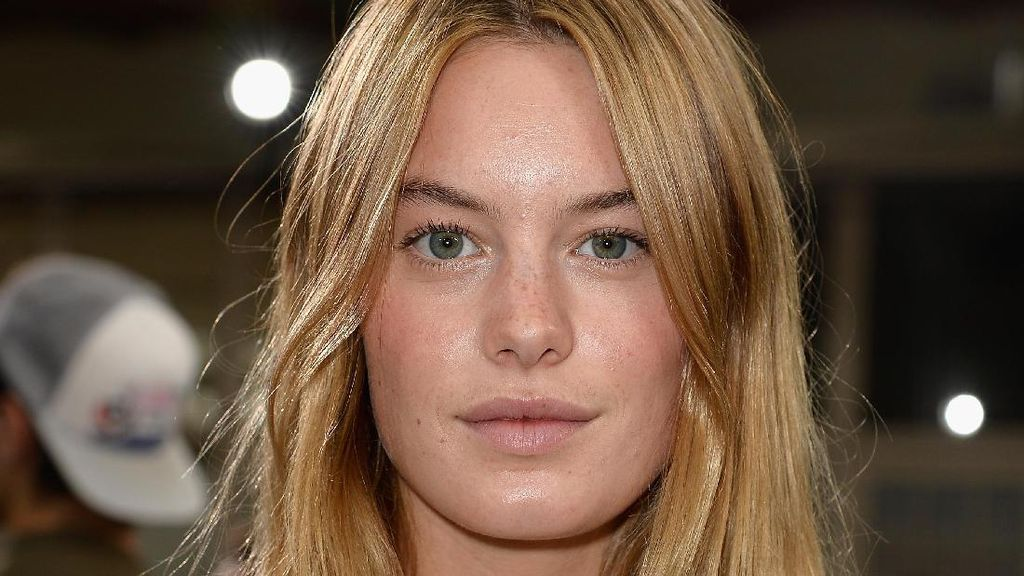Ini Camille Rowe, Model Victorias Secret Gebetan Baru Harry Styles