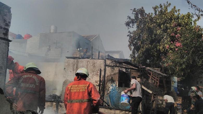 Tabung Gas Abang Ketoprak Meledak Saat Goreng Kerupuk, 1 Orang Luka