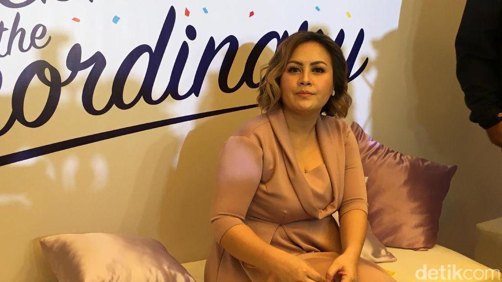 Produksi ASI Cynthia Lamusu Lebih Lancar Setelah Suami Lakukan Ini