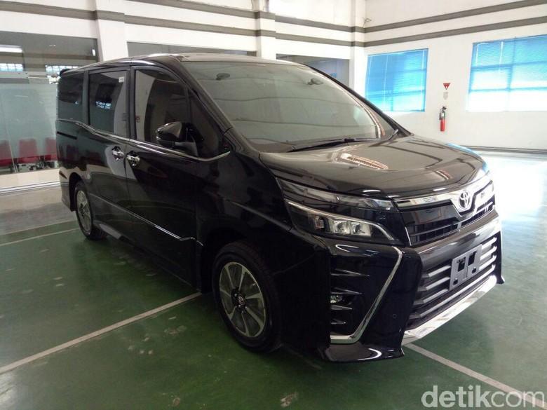 Bocoran Harga Toyota Voxy, Sekitar Rp 450 Jutaan