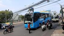 Bus TransJ Dihadang Sopir Metromini yang Ngamuk di Fatmawati