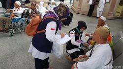 Ada banyak vaksin yang tersedia di Indonesia dan beberapa di antaranya bahkan diwajibkan dan diberikan gratis. Namun ada saja isu miring yang muncul menerpa.