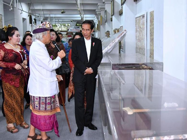 Lukisan Jokowi Minum Jamu Kenangan Terakhir I Nyoman Gunarsa