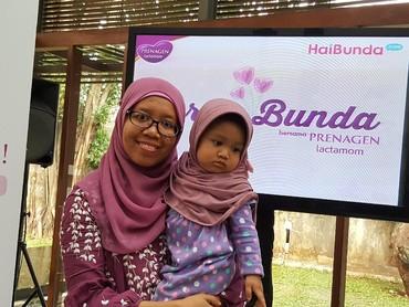 Ini Bunda Siti dan putrinya yang cantik dari Bogor, salah satu peserta Cerita Bunda.