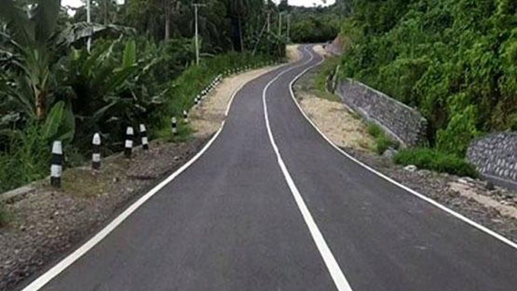 Rini: Pemerintah Bangun Waduk Hingga Jalan Trans Papua