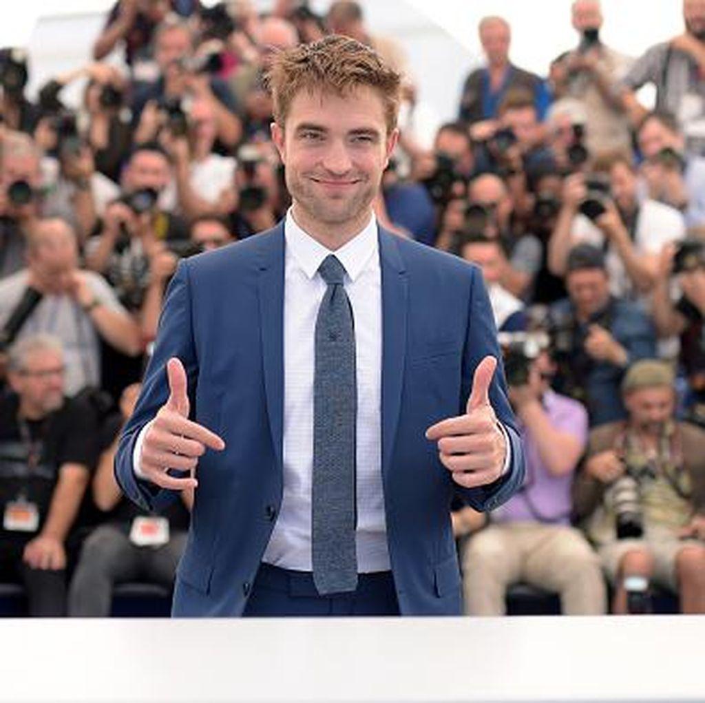 Robert Pattinson Pacaran dengan Emma Watson?