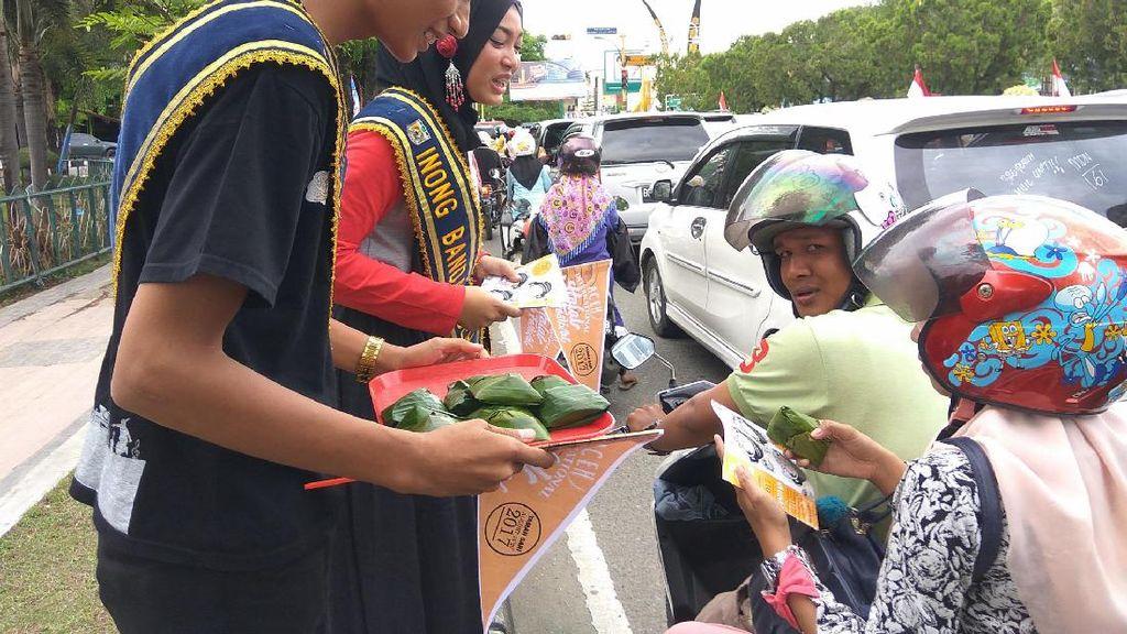Promosi Aceh Internasional Halal Food Festival, Duta Wisata Bagi-bagi Beulukat