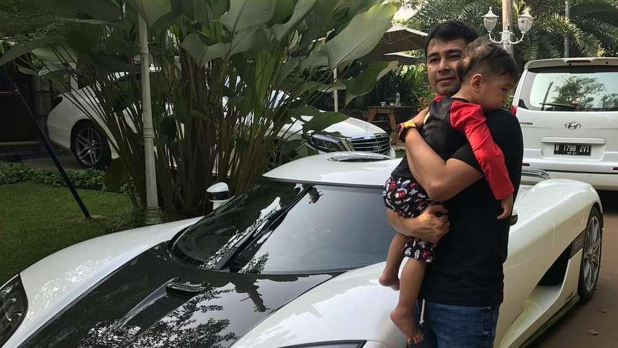 Koenigsegg dan Mobil-mobil Mewah di Garasi Raffi Ahmad