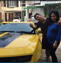 Tak Hanya Raffii, Ini Deretan Selebriti Indonesia yang Punya Mobil Mewah
