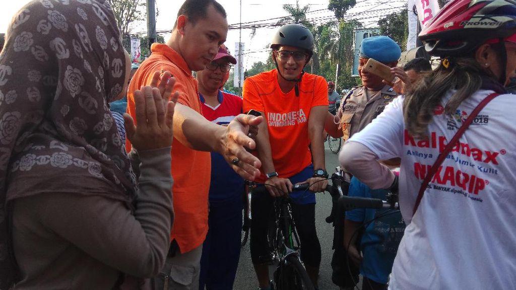Sandiaga Gowes bareng Menpora di Pondok Pinang